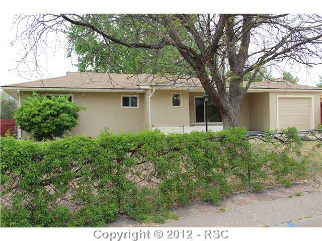 418 Montrose Dr, Colorado Springs, CO