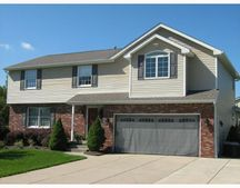 27 Partridge Ln, West Seneca, NY 14224