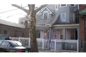 3207 Wallace Ave, Bronx, NY 10467