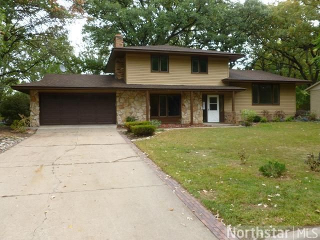 10633 Hollywood Blvd NW Coon Rapids, MN 55433