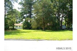 1307 Bray Ave, New Bern, NC 28562