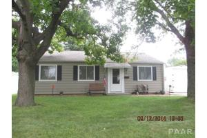 201 Decatur Rd, Marquette Heights, IL 61554