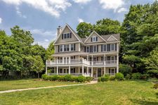 7 Holman Ln, Old Greenwich, CT 06870