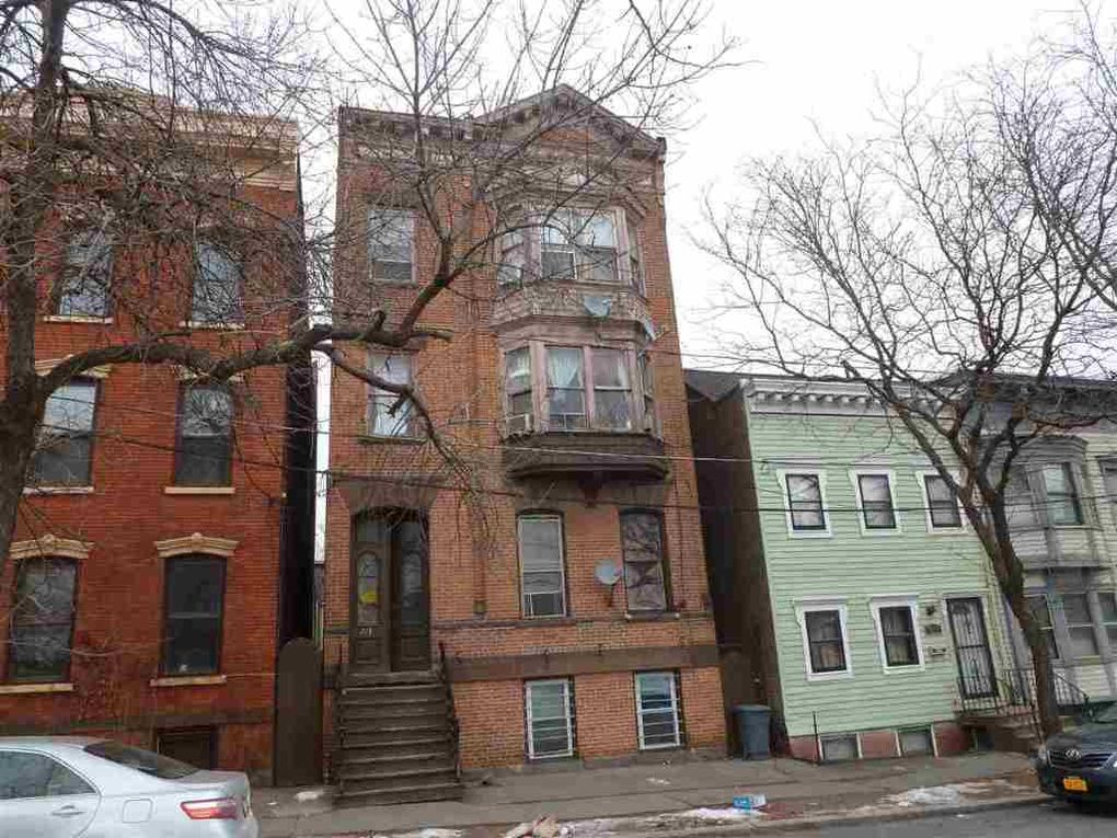 273 Elm St, Albany, NY 12202