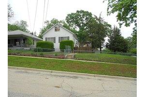 66 Harding St, Elgin, IL 60123