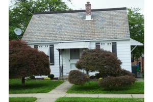 808 Maple St, Bethlehem, PA 18018