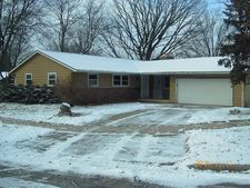 22 Cathy Ct, Madison, WI 53711