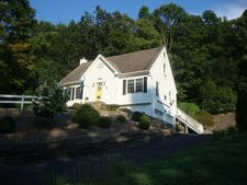 58A Glen Rd, Newtown, CT 06482