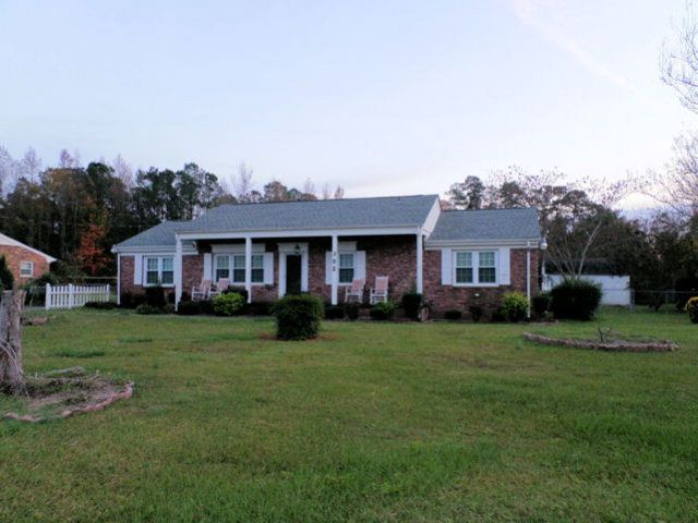 702 eleventh st goldsboro nc 27530 home for sale and for Modern homes goldsboro nc