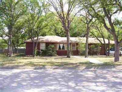 307 6th St, Burnet, TX