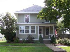 308 7th Ave, Vinton, IA 52349