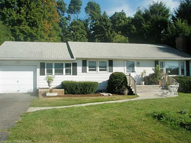 635 Dart Hill Rd, Vernon, CT 06066