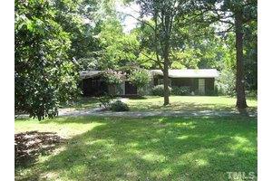 1079 Burning Tree Dr, Chapel Hill, NC 27517