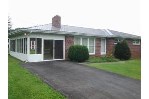 21203 US Highway 19, Cedar Bluff, VA 24609