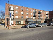 6331 W Highland Ave Apt 3C, Chicago, IL 60646