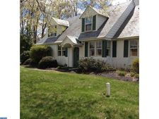 400 County Line Rd, Chalfont, PA 18914