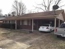 125 Cloverdale Blvd, Searcy, AR 72143