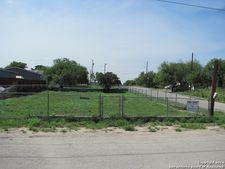 1410 N 6th St, Carrizo Springs, TX 78834