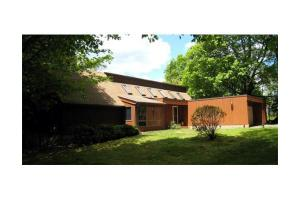 11 N Hillside Rd, Deerfield, MA 01373