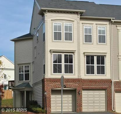 42528 Regal Wood Dr, Ashburn, VA 20148
