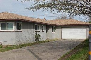3903 E Shields Ave, Fresno, CA 93726