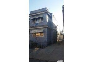 8638 127th St, Richmond Hill, NY 11418