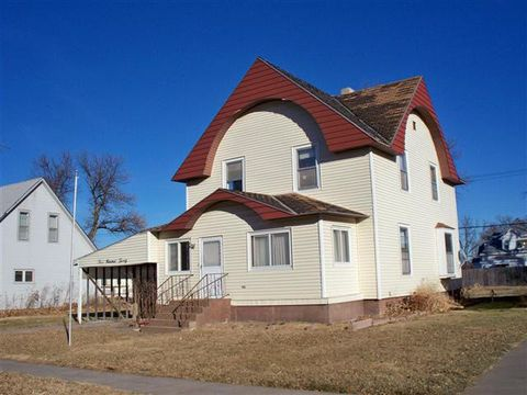 320 Minor Ave, Bertrand, NE 68927