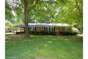 3521 Cherry Ln, Greensboro, NC 27405