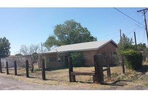 512 Jarales Rd, Belen, NM 87002