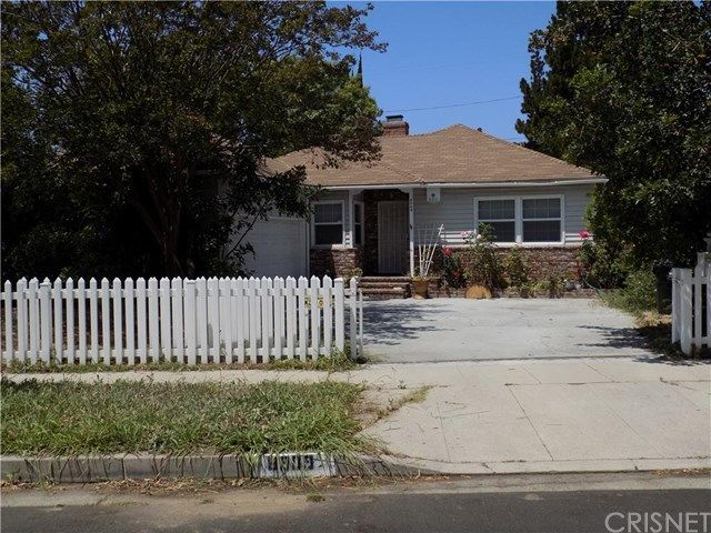 8909 Yolanda Ave Northridge, CA 91324