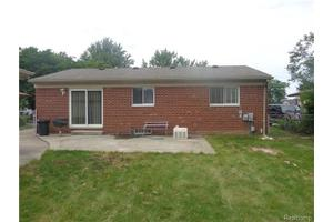 20043 Cole Ave, Brownstown Twp, MI 48183