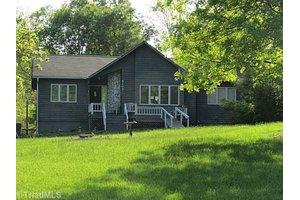 8203 Spotswood Rd, Summerfield, NC 27358