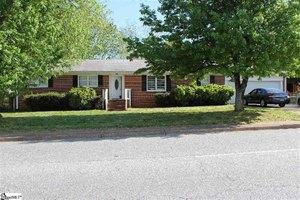 3502 E North St, Greenville, SC 29615