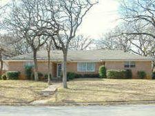 1408 Canterbury Cir, Fort Worth, TX 76112