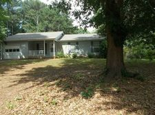 271 Amberwood Dr, Lawrenceville, GA 30044