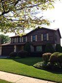 105 Golf View Cir, Prospect Heights, IL 60070