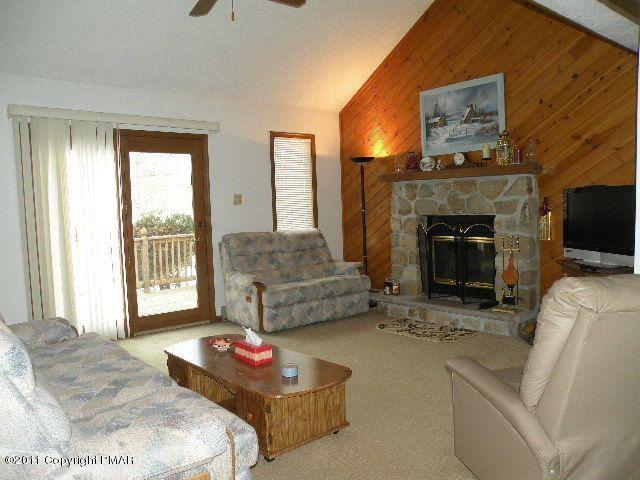 1611 Locust Ln, Pocono Lake, PA 18347