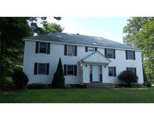 48 Brown St Unit 1R, Leicester, MA 01524