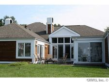 40 Willowbrook Dr, Owasco, NY 13021