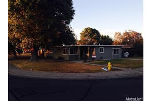128 Tennessee Ave, Woodland, CA 95695