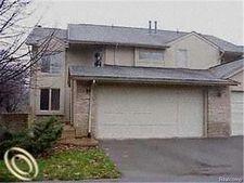 4347 Foxpointe Dr Unit 37, West Bloomfield Township, MI 48323