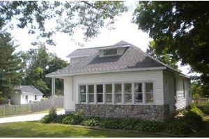 639 E Main St, Village of Eagle, WI 53119