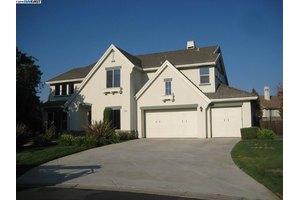 2165 Crossroads Pl, Livermore, CA 94550