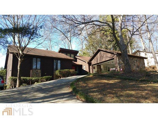 1100 Lake Dr Roswell, GA 30075