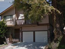 5827 Alpine Rd, San Pablo, CA 94806
