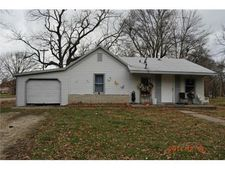 1359 Sycamore St, Pleasanton, KS 66075