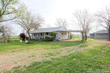1524 Pittman Rd, Saint Hedwig, TX 78152