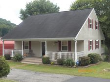 2005 Old Burning Fork Rd, Salyersville, KY 41465