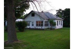 16610 Three Oaks Rd, Three Oaks, MI 49128