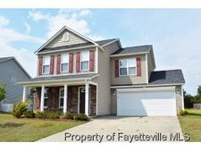389 Fairfield Cir, Raeford, NC 28376